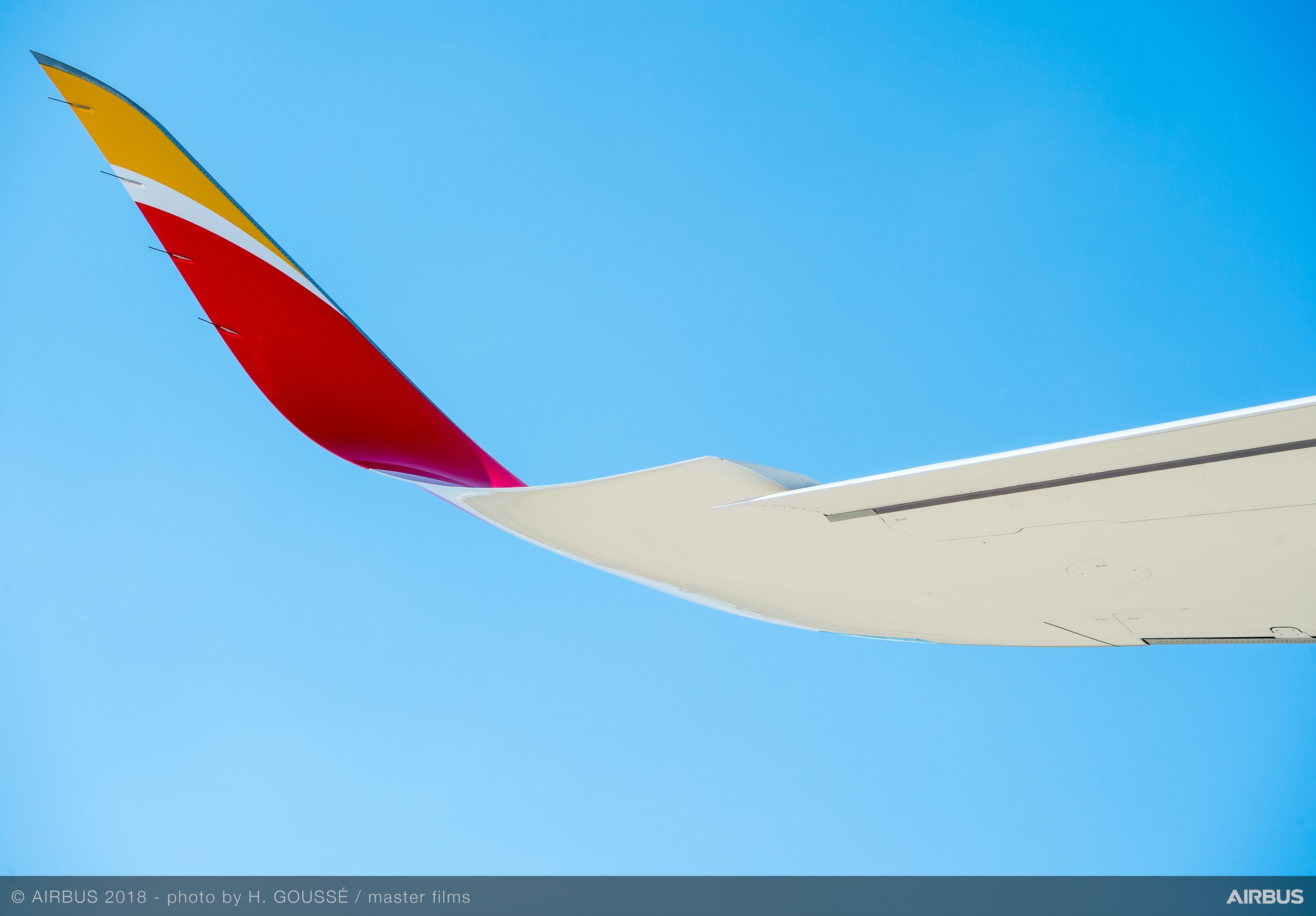 De Airbus A350-900 van Iberia heeft extended winglets en een licht gebogen vleugel om het maximale opstijggewicht te vergoten