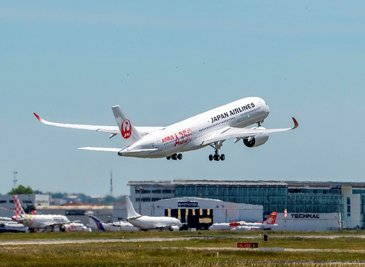 Japan Airlines' A350-900 – first flight