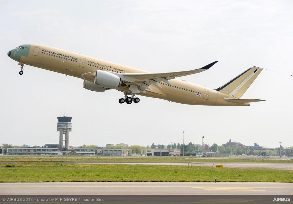A350 900 ULR Singapore Airlines Take Off