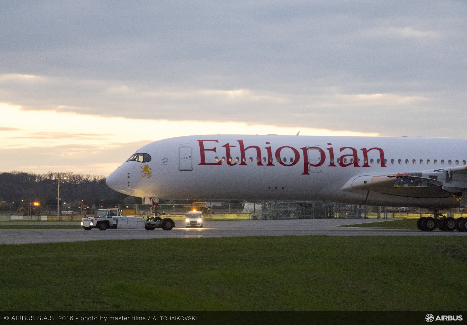 A350-900_Ethiopian Airlines paint hall rollout 2