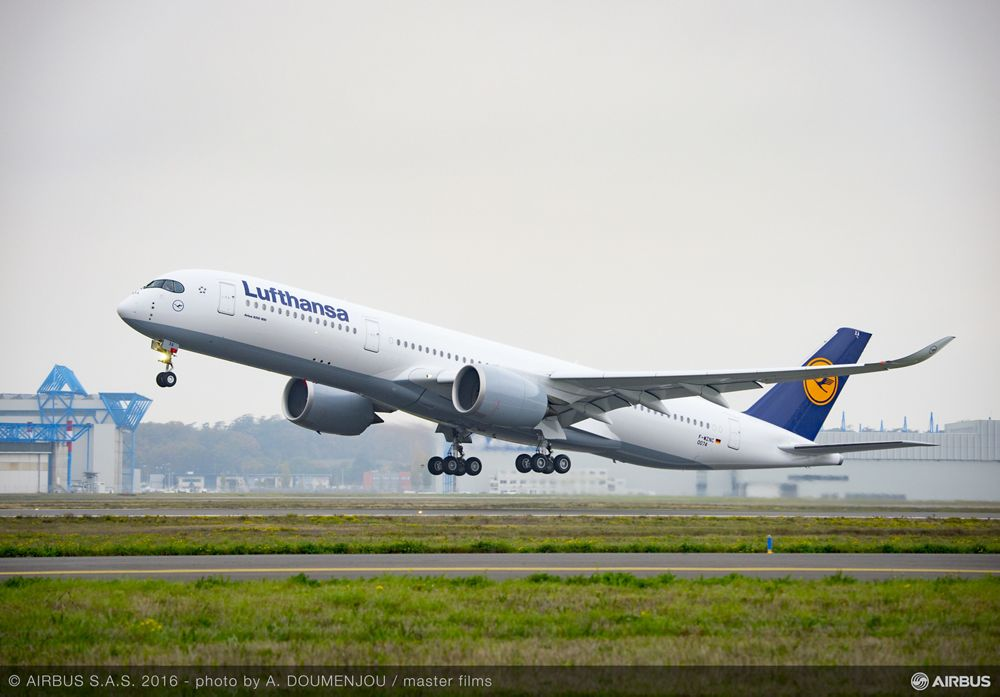 A350-900 Lufthansa MSN074 - Take Off, A350-900 Lufthansa delivery – Takeoff
