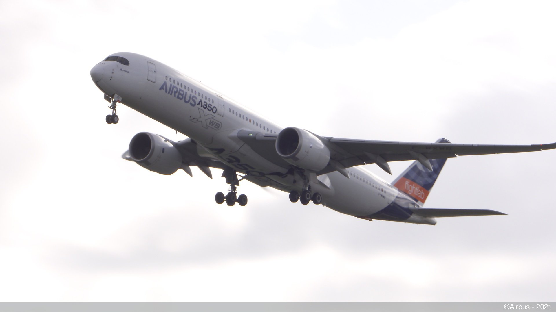 A350 MSN01 Takes Off From TLS With 100% SAF On Board