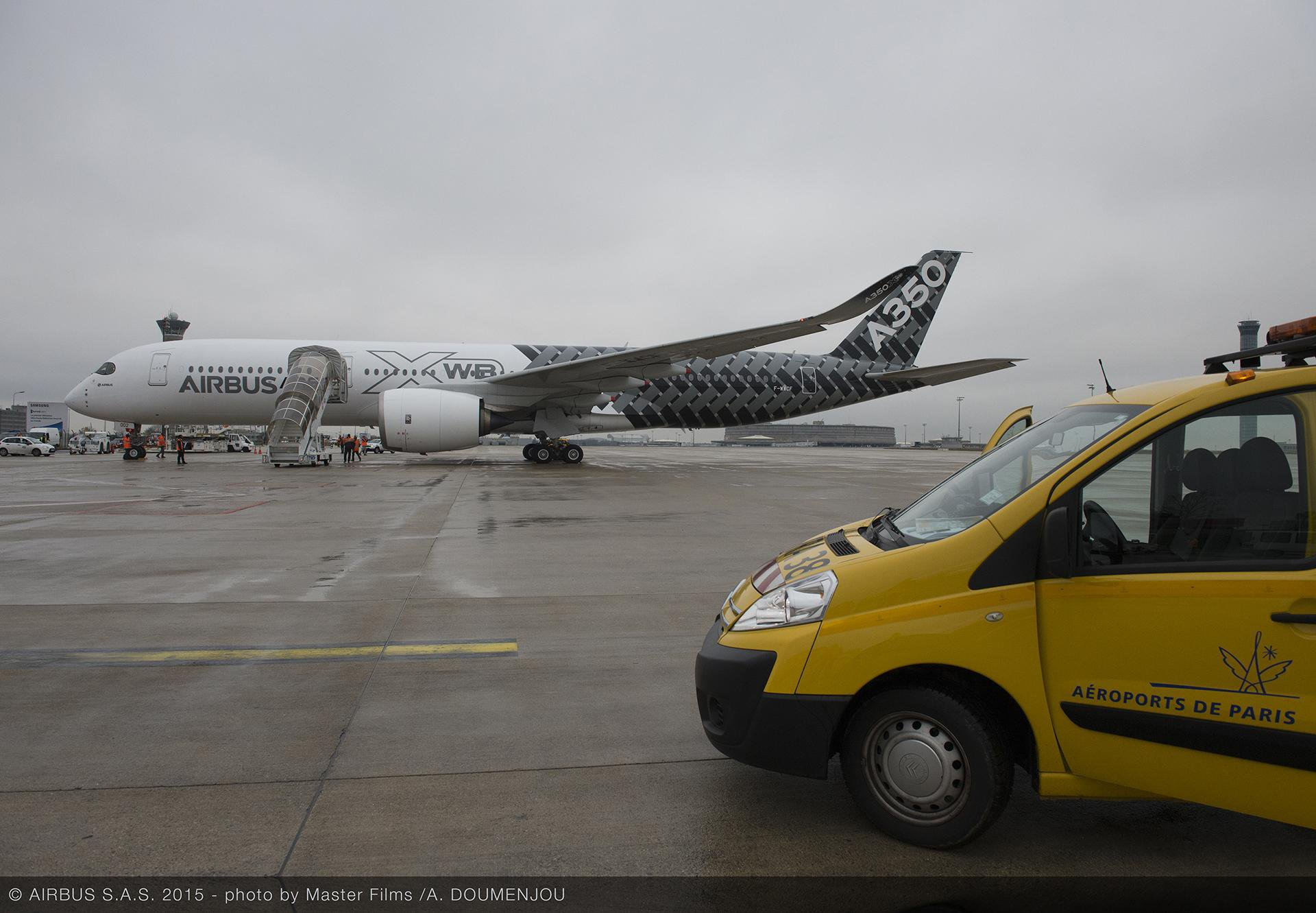 "The Airbus A350 XWB jetliner made its ""premiere"" in Paris on 26 February 2015, landing for the first time at Paris Charles de Gaulle airport"