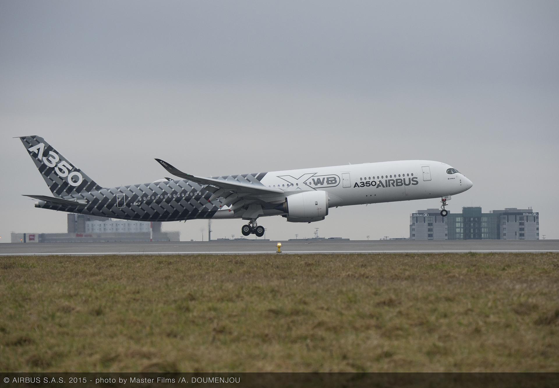A350 XWB at Paris Charles de Gaulle 2