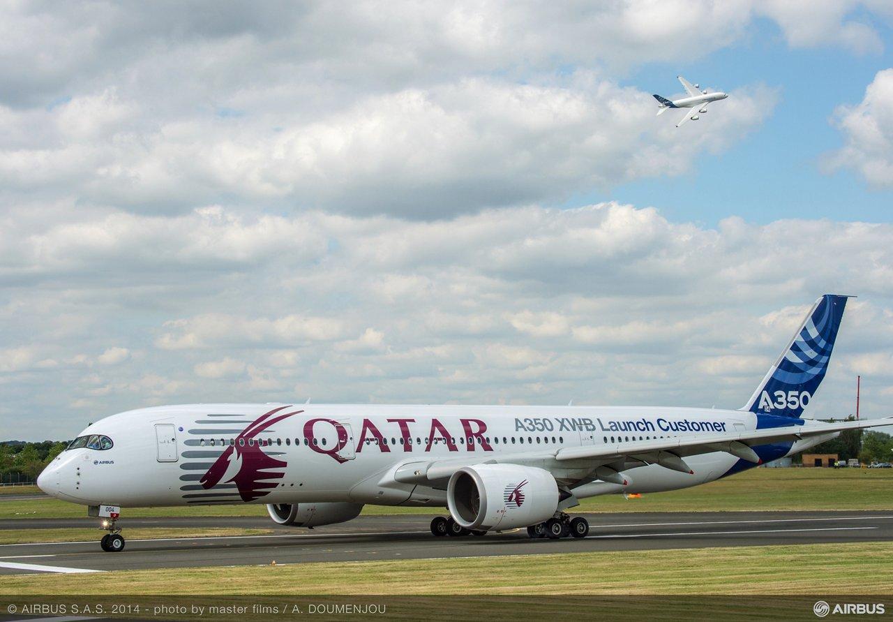 Flight demo: A350 XWB and A380