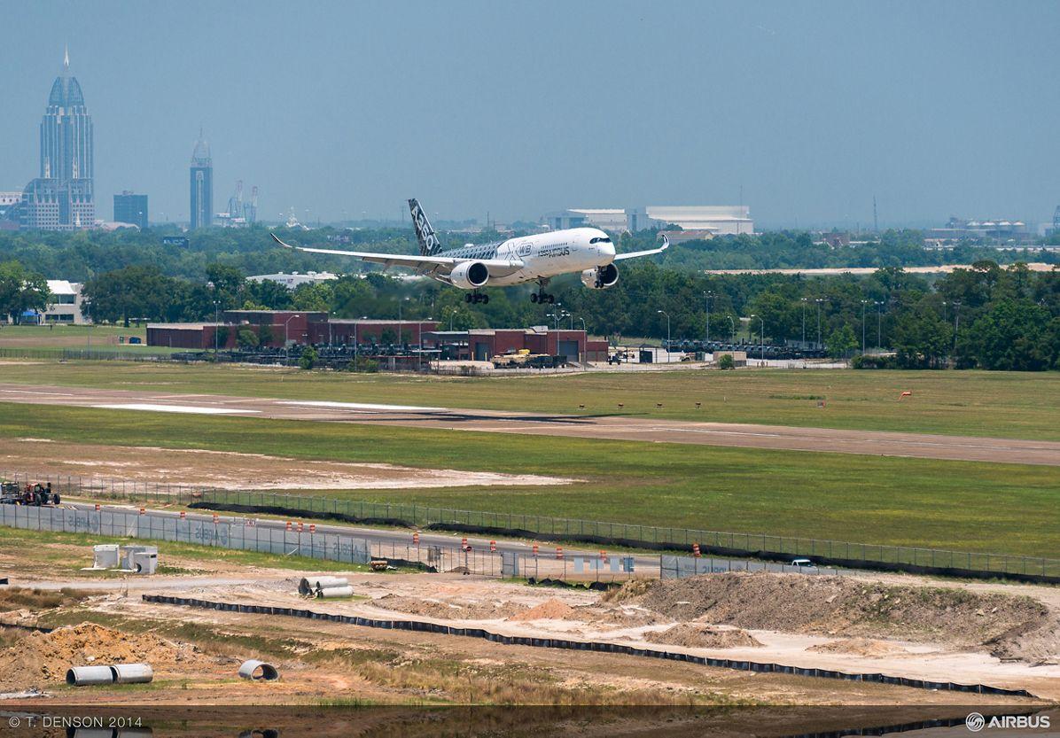 AIRBUS124- A350 Flyover FAL, Mobile A350 XWB flyover 1