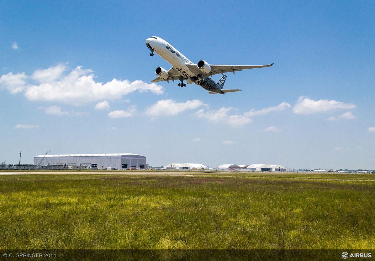 AIRBUS124- A350 Flyover FAL, Mobile A350 XWB flyover 2