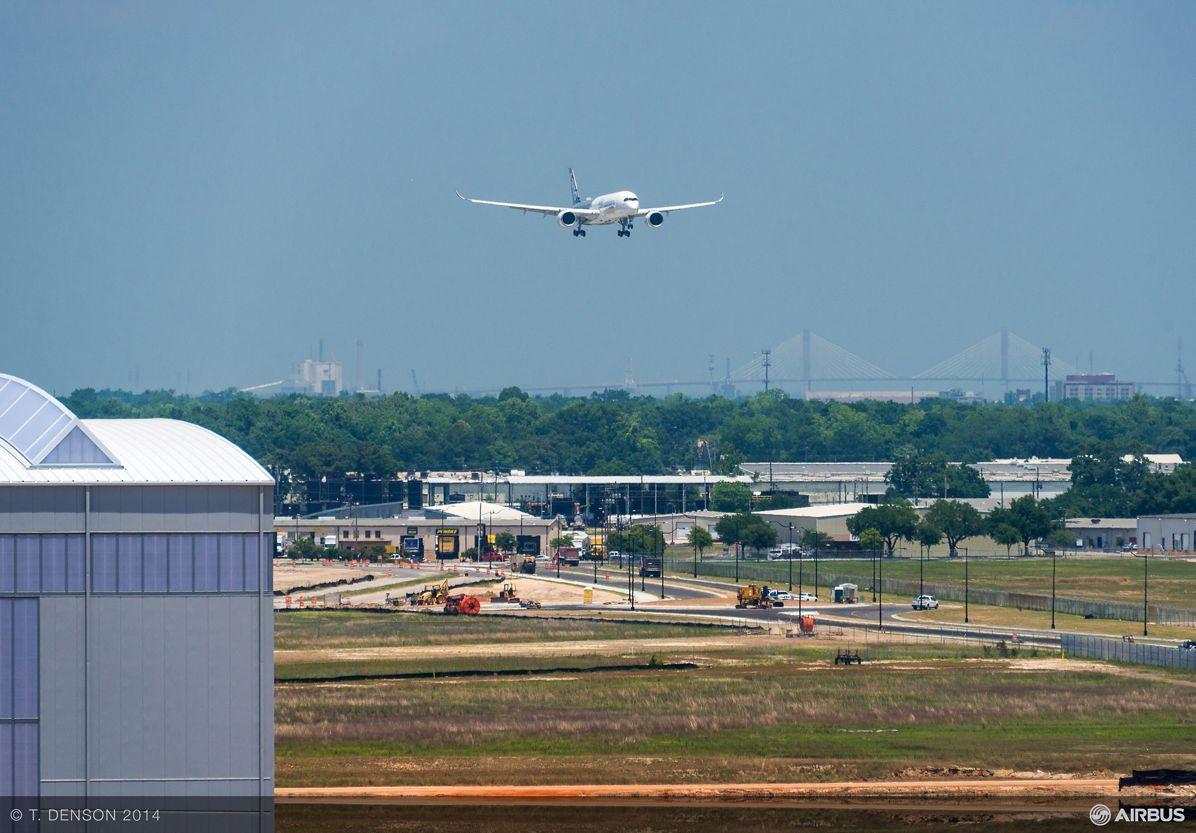 AIRBUS124- A350 Flyover FAL, Mobile A350 XWB flyover 4