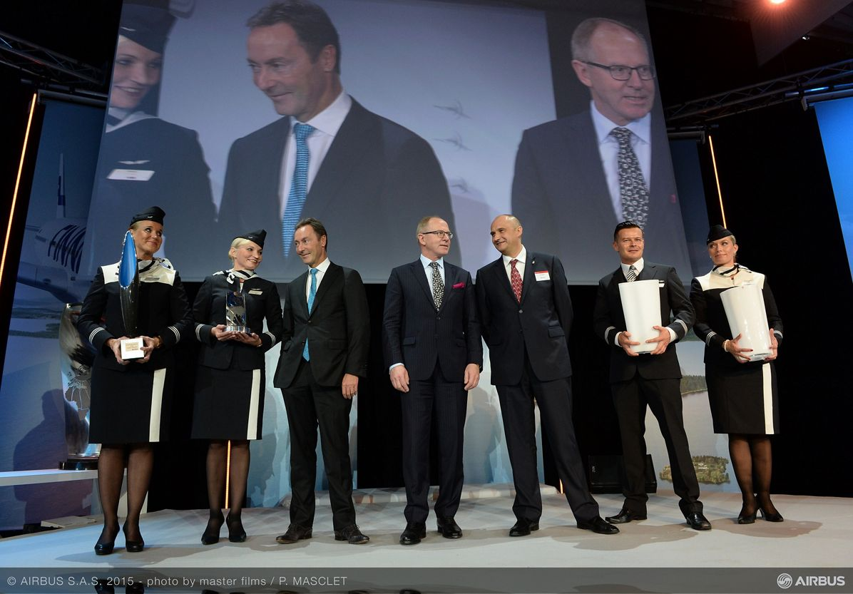 A350 XWB_Finnair first delivery_trophies 2