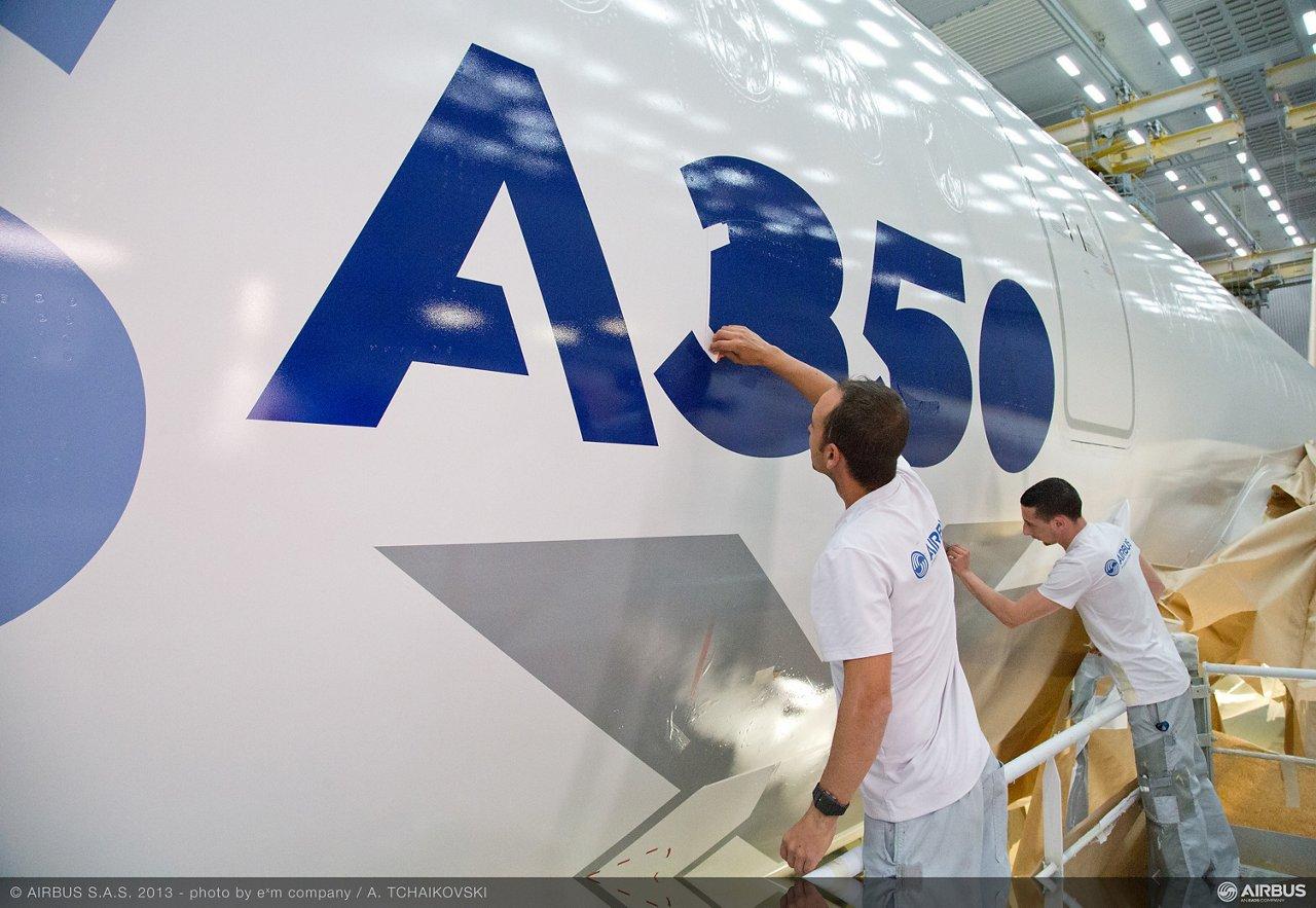 A350 XWB MSN1 fuselage demasking 06