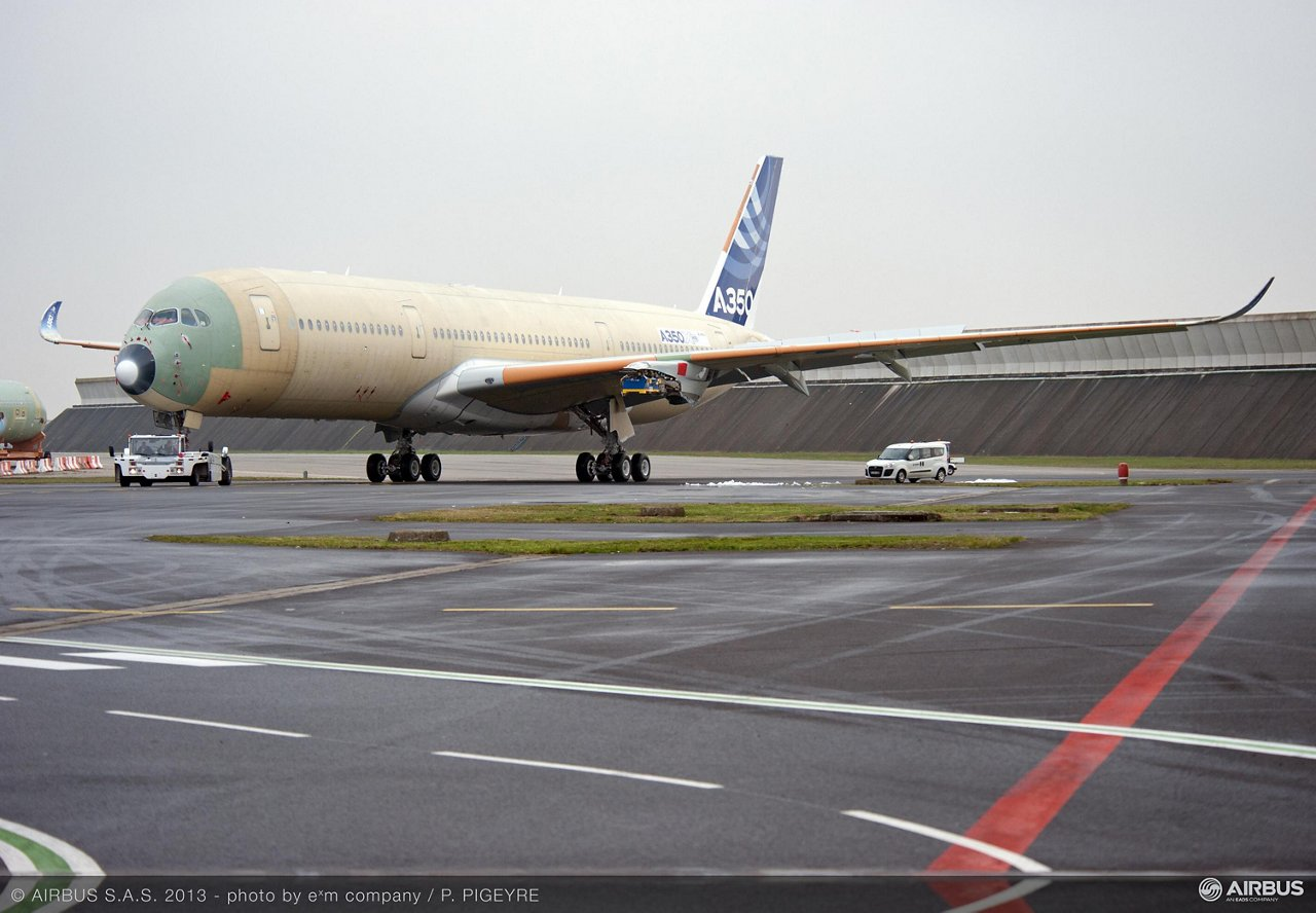 A350 XWB Roll out MSN1Feb 2013