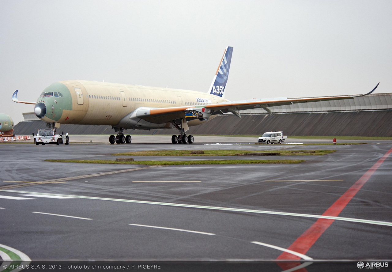 The first A350 XWB jetliner with completed wings has moved to its next phase of ground testing in Toulouse, France, which will include evaluations related to its fuel tanks, fuselage and radio equipment