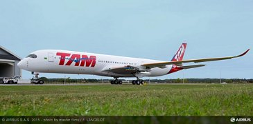 TAM Airlines A350 XWB rolls out_2