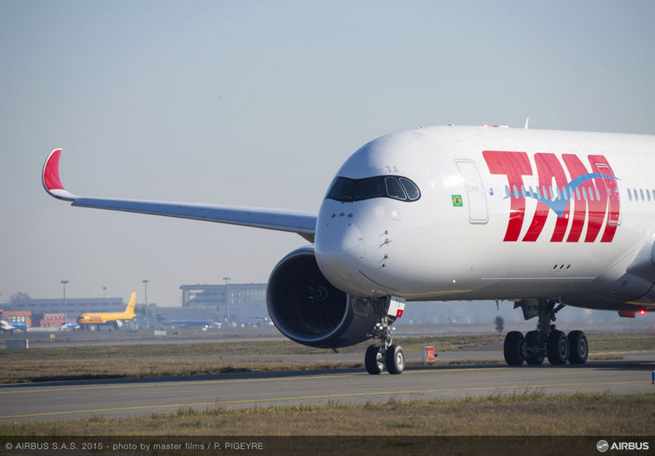 TAM Airlines – which took delivery of its no. 1 A350 XWB in December 2015 – is the first operator from the Americas to receive this new-generation Airbus jetliner