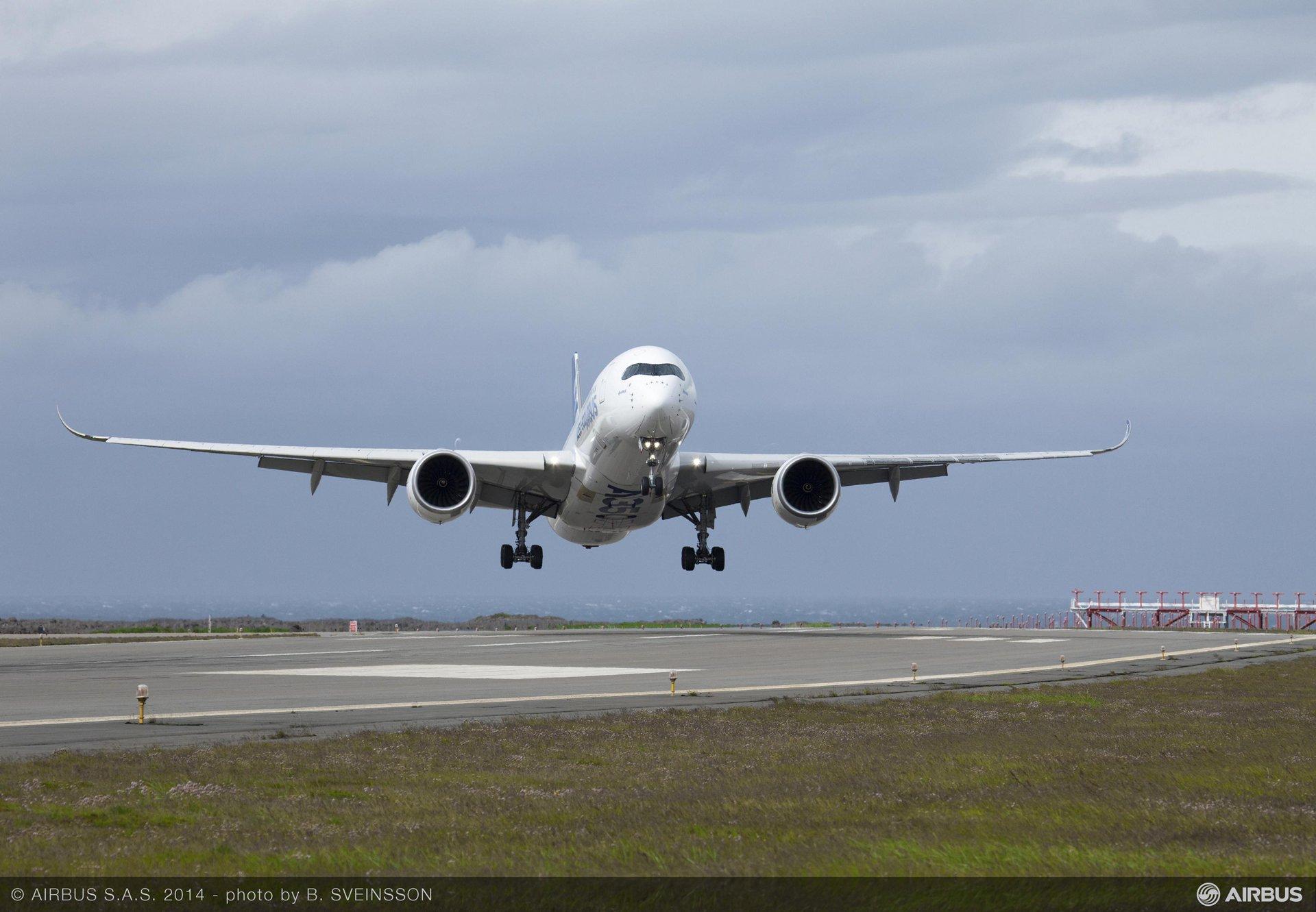 A350 XWB  MSN1 crosswind test at Keflavik July 2014