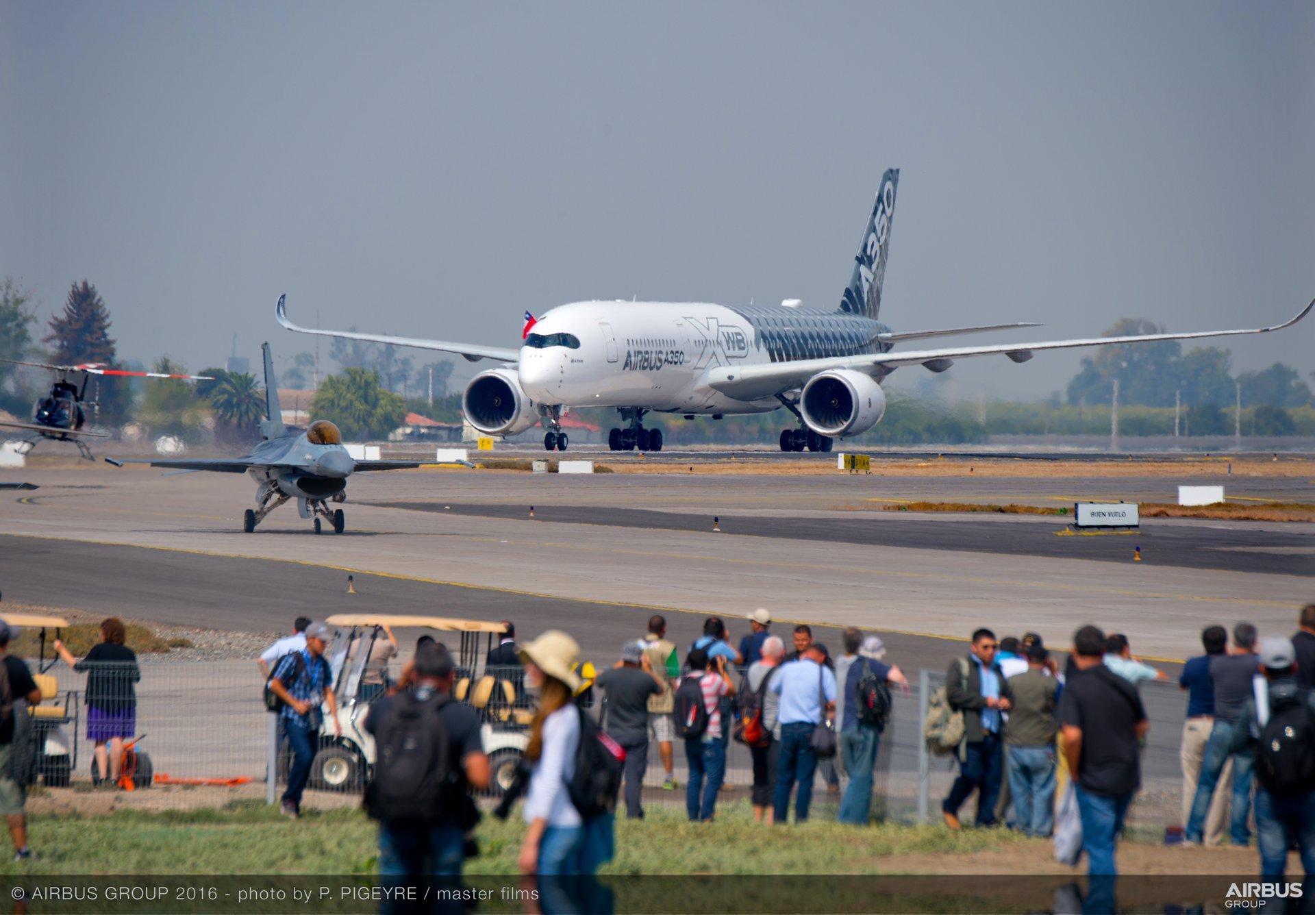 A350 XWB at FIDAE 2016_taxiing