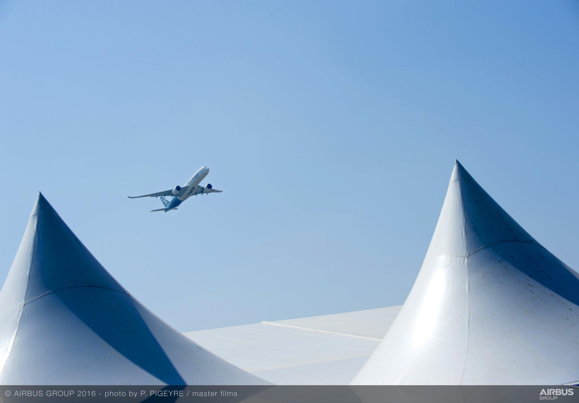 FIDAE 2016_A350 XWB demo flight 2