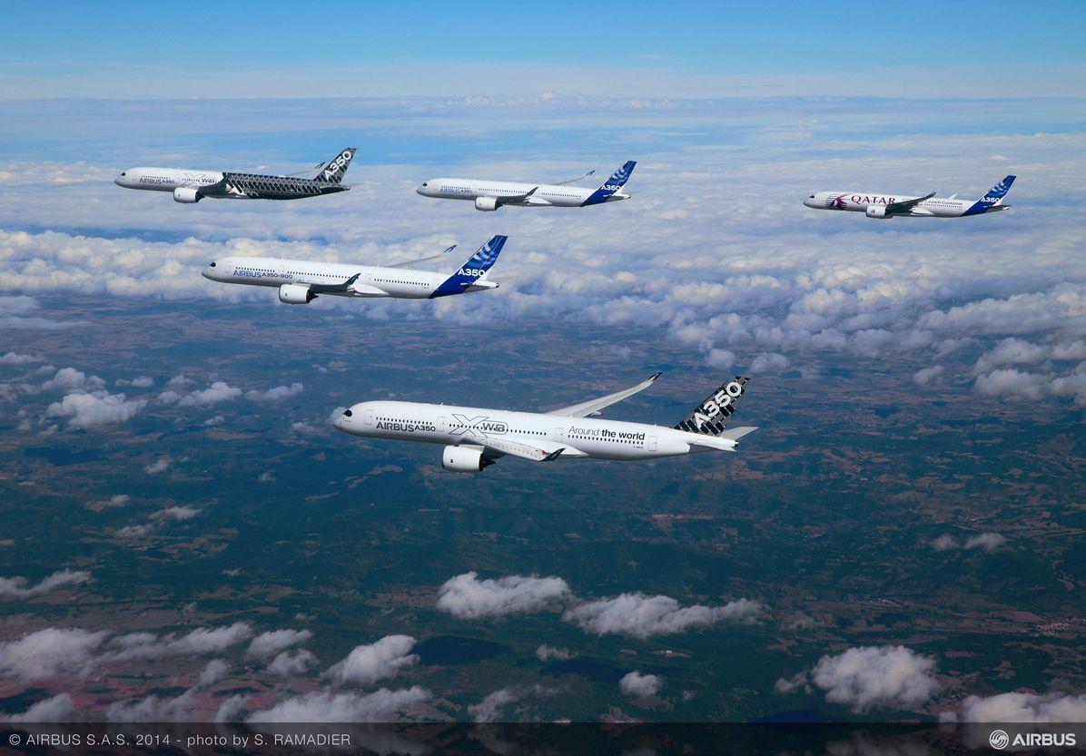 A350 XWB – Test aircraft formation flight 3