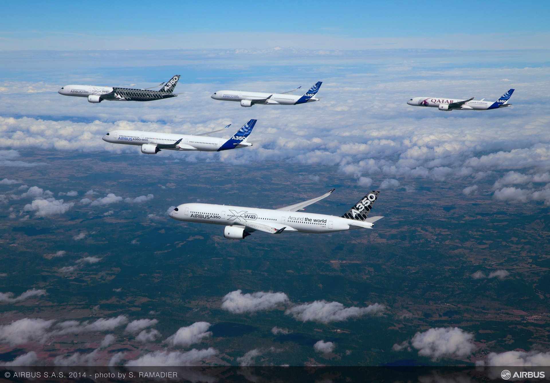 A350 XWB – Test aircraft formation flight 3