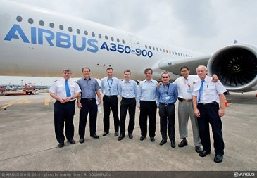 Singapore airlines pilots visit A350 XWB – 04