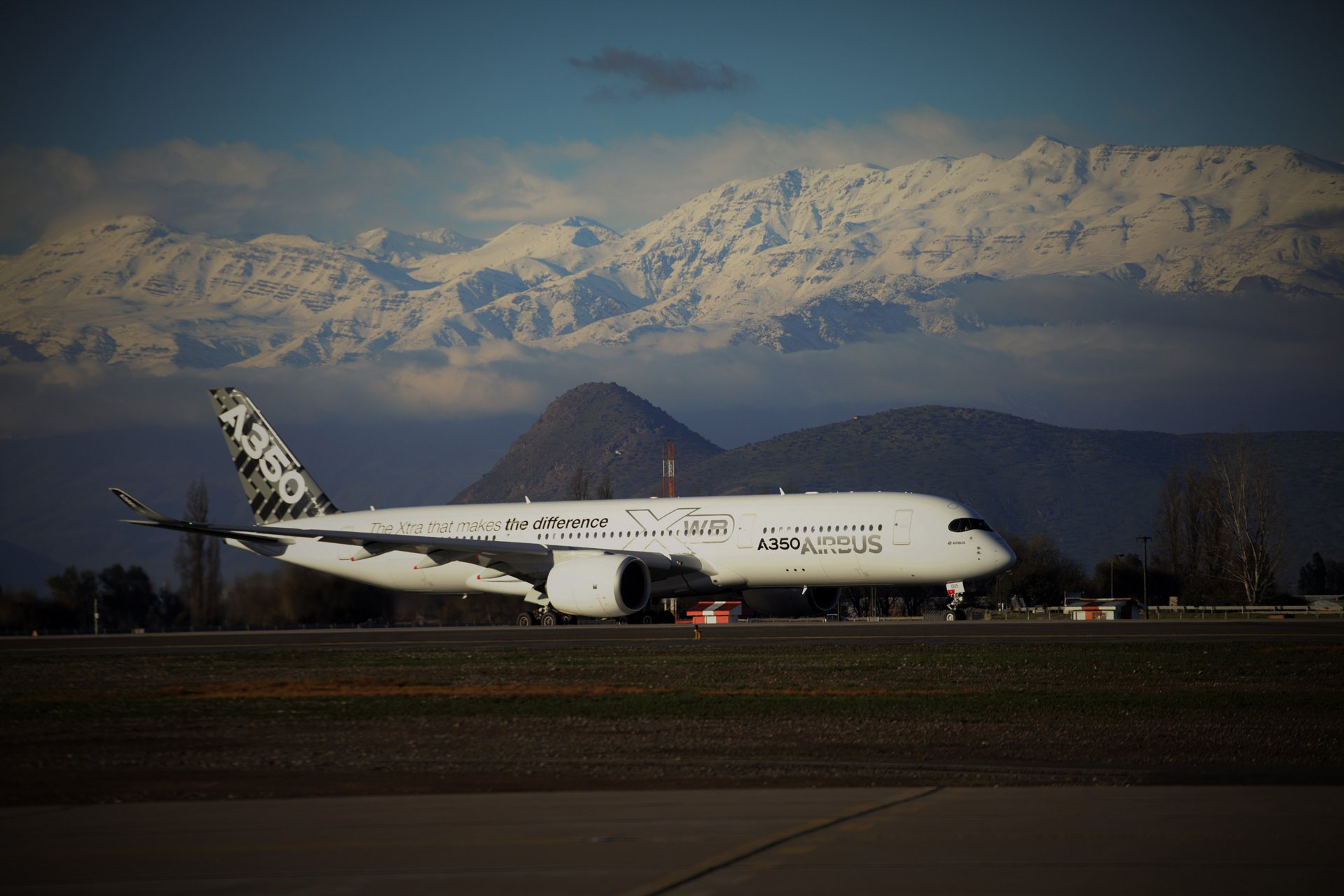 "Airbus' next-generation A350 XWB made another ""debut"" on its third route-proving trip, arriving in Santiago, Chile on 7 August 2014 – which follows stopovers in Johannesburg, South Africa– Sydney, Australia– and Auckland, New Zealand"