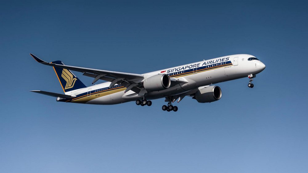 Singapore Airlines' initial Airbus A350-900ULR – the first of seven such aircraft to join its growing fleet of A350 XWBs – takes off before covering nearly 9,000 nautical miles between Singapore and New York
