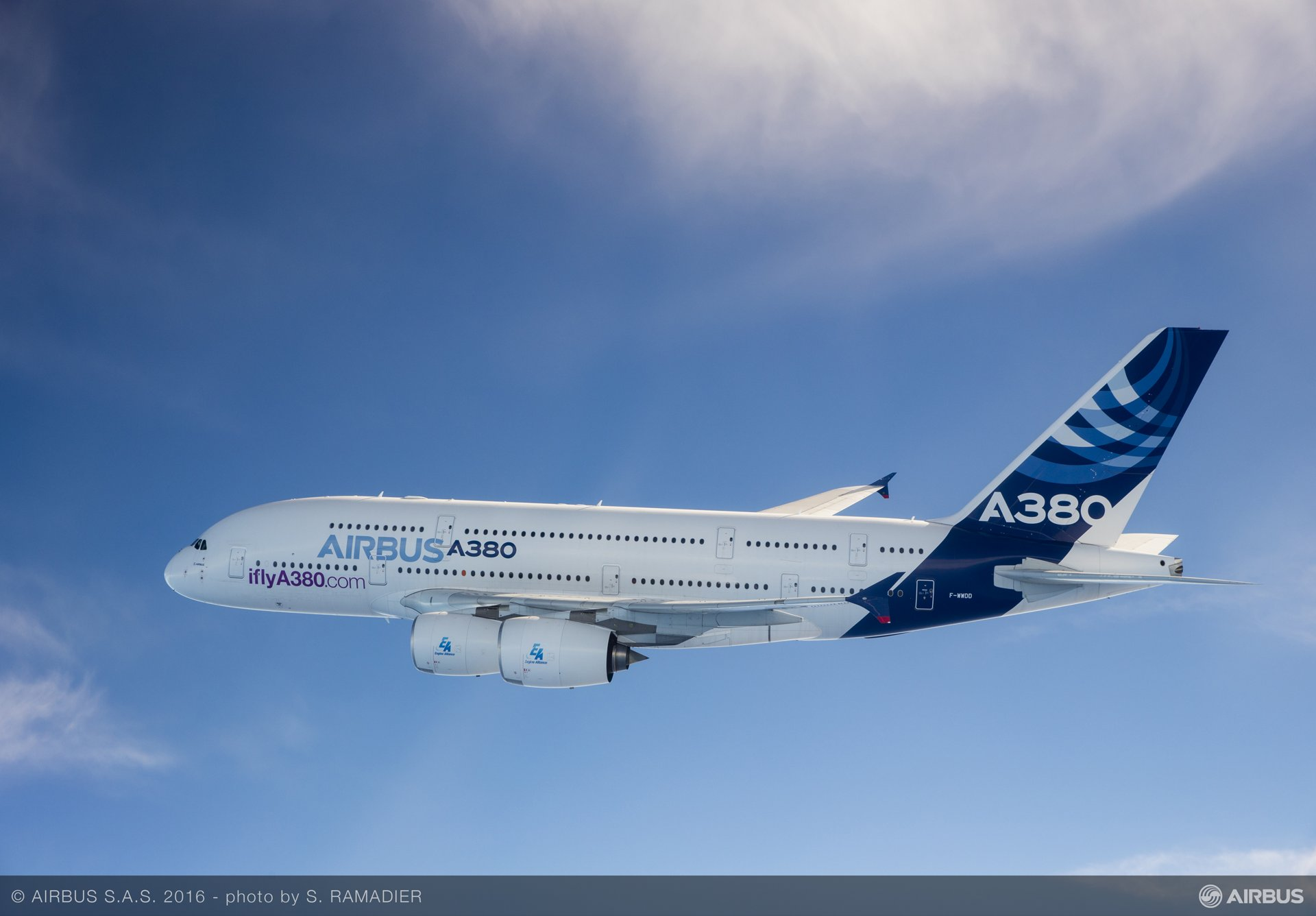 A380 in flight 01
