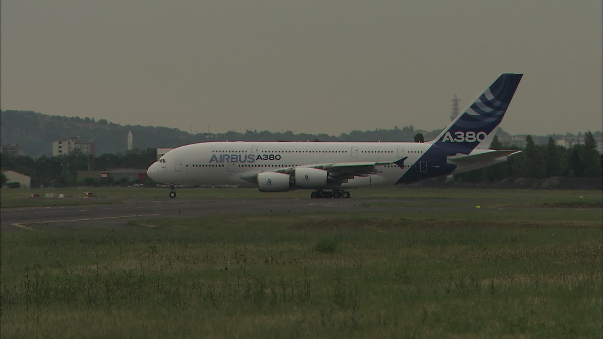 A380 Taxi Take Off Flight F