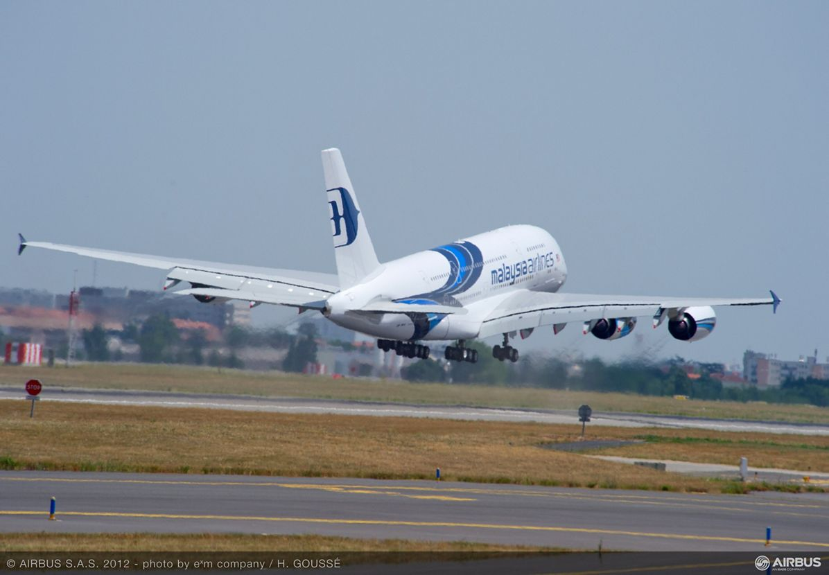 A380 MAS take off from Toulouse