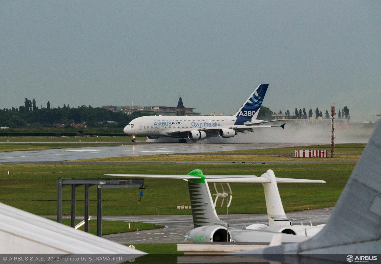 A380 MSN4 own the sky arrival