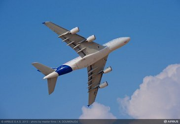 Flight demo day 2 - 03 A380 Airbus 01