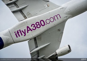 Farnborough Airshow_Day 3_A380 flying display 1