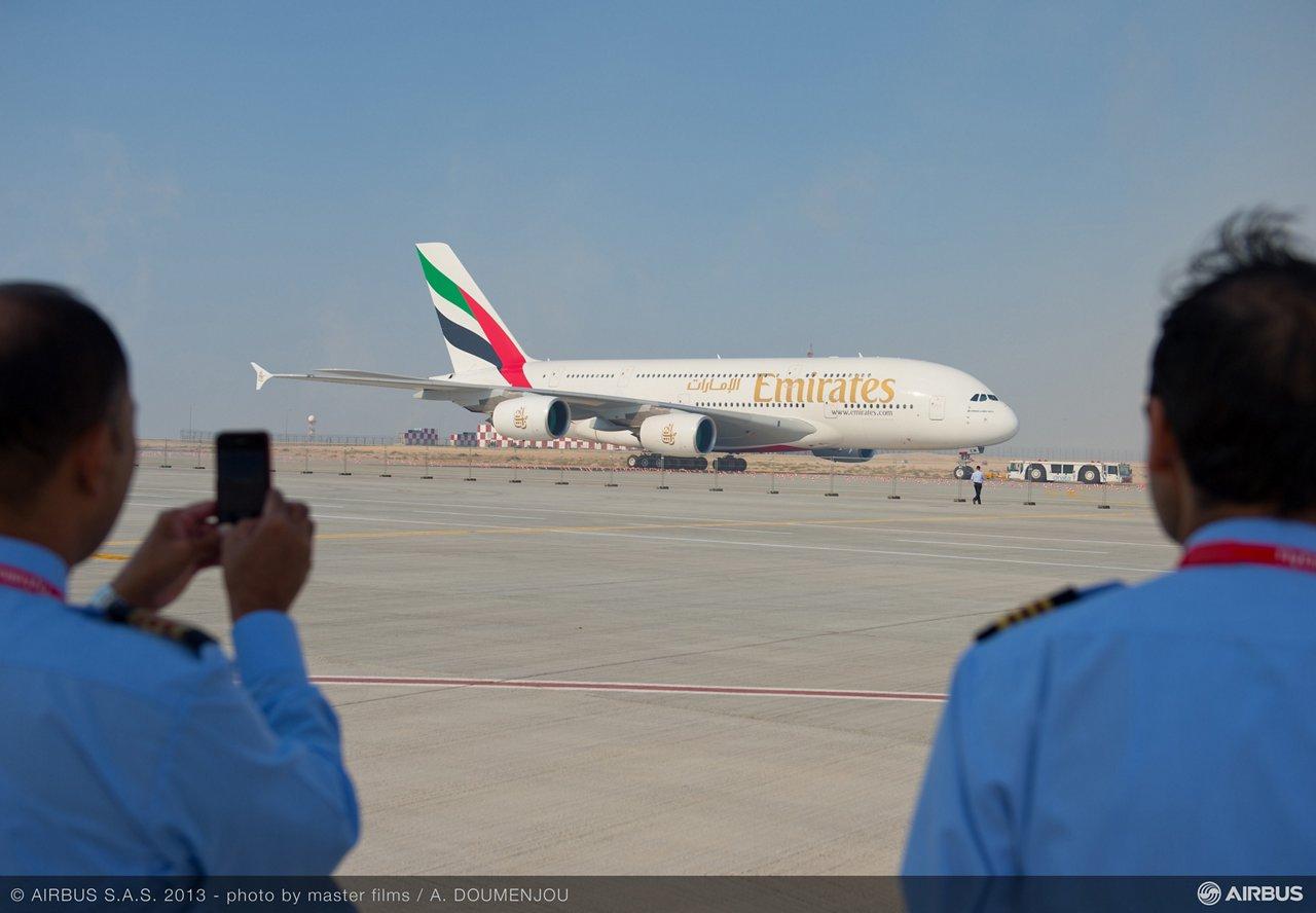 ambiance day one dubai 03 A380 emirates