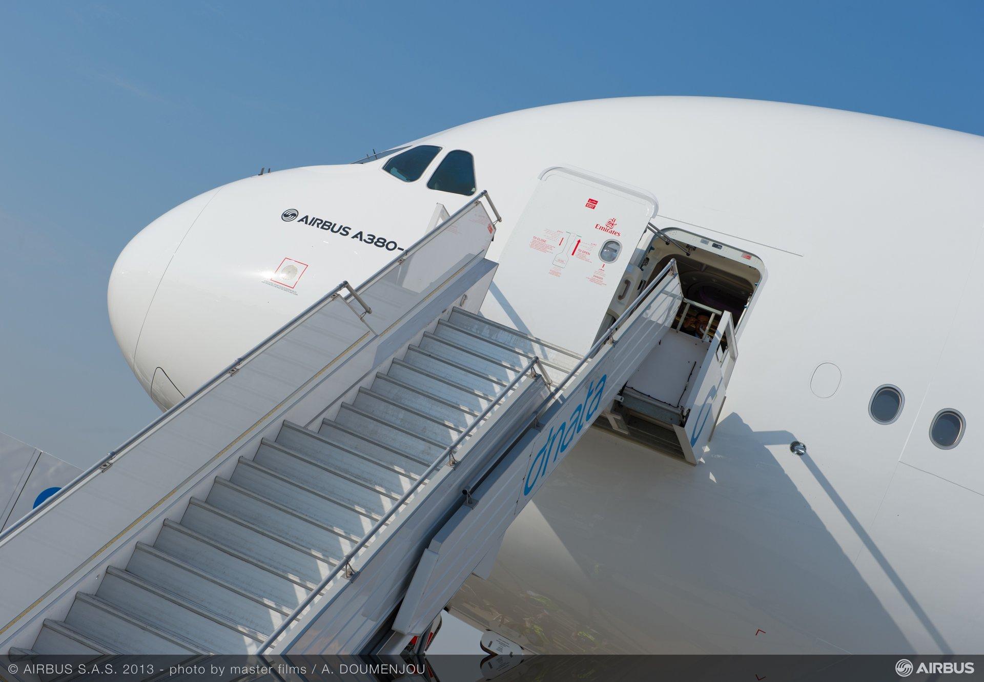 ambiance day one dubai 07 A380 emirates
