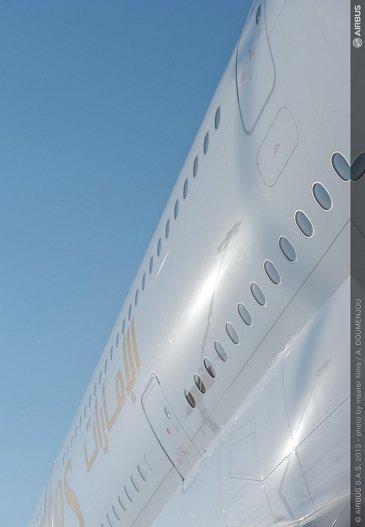 ambiance day one dubai 08 A380 emirates fuselage close-up
