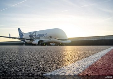 First flight of BelugaXL with two aircraft wings