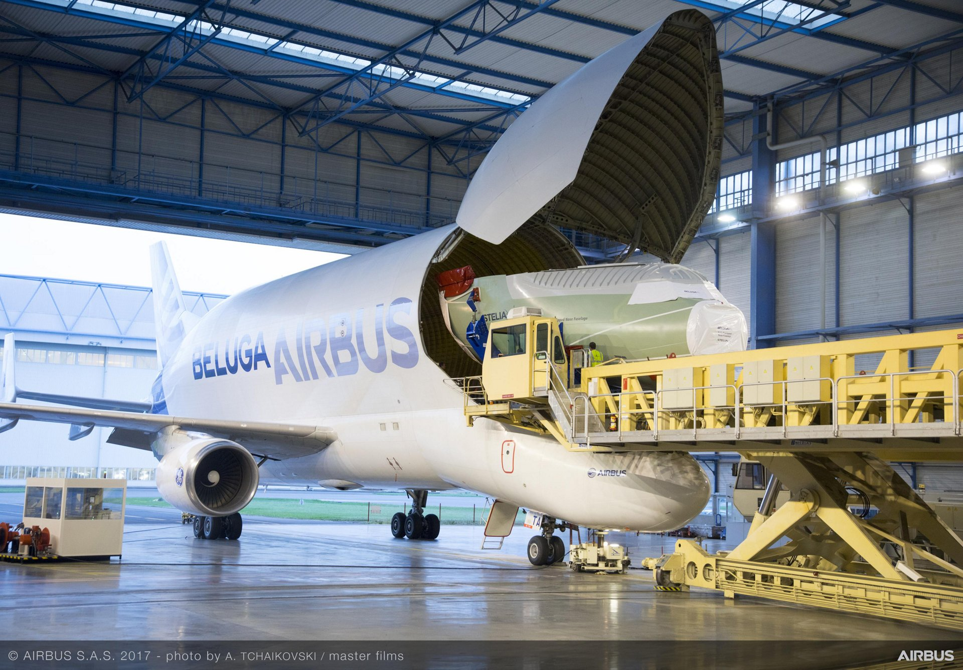 BelugaXL_Nose section delivery 1