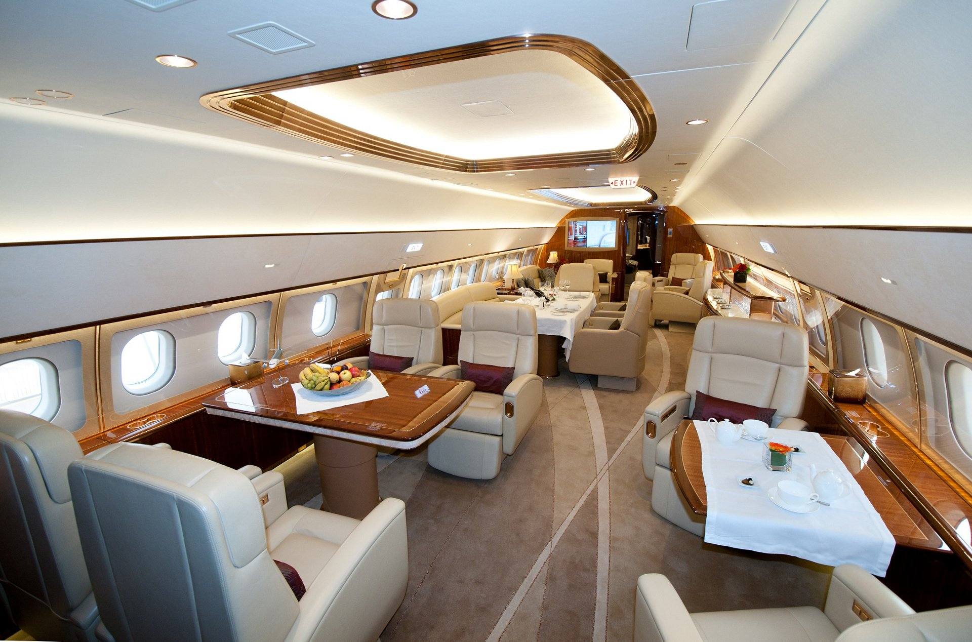 The ACJ319 exhibited at NBAA – offered for VVIP charters by Comlux – features lounge and conference/dining areas, plus two private rooms that can each be laid out as either a lounge or a bedroom