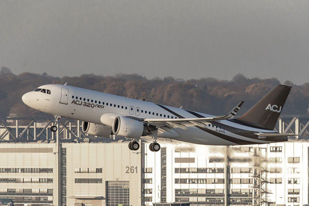 ACJ320neo First Flight