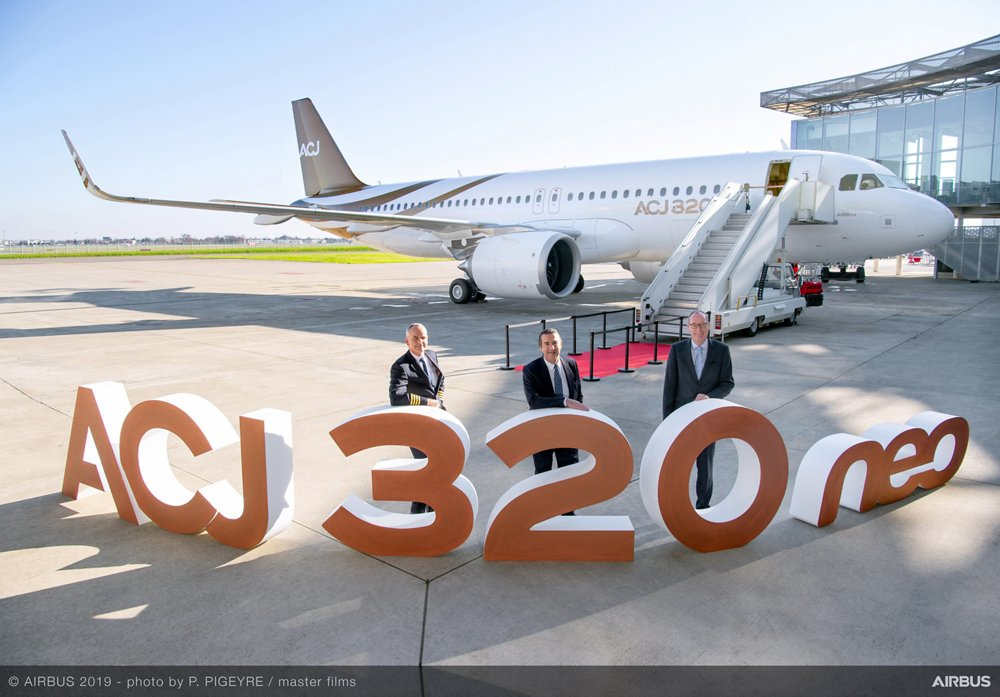 The milestone delivery of the first ACJ320neo aircraft to Acropolis Aviation of the UK was celebrated by (left to right): Acropolis Aviation Chief Pilot Phil Lintott-Clarke, ACJ President Benoit Defforge and Acropolis Aviation CEO Jonathan Bousfield
