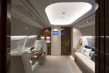 ACJ318 9H-UEC Comlux interior
