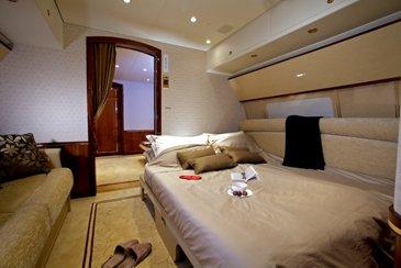 ACJ319 9H-AVK Comlux interior