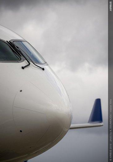 Airbus wallpaper – A220-300 close-up