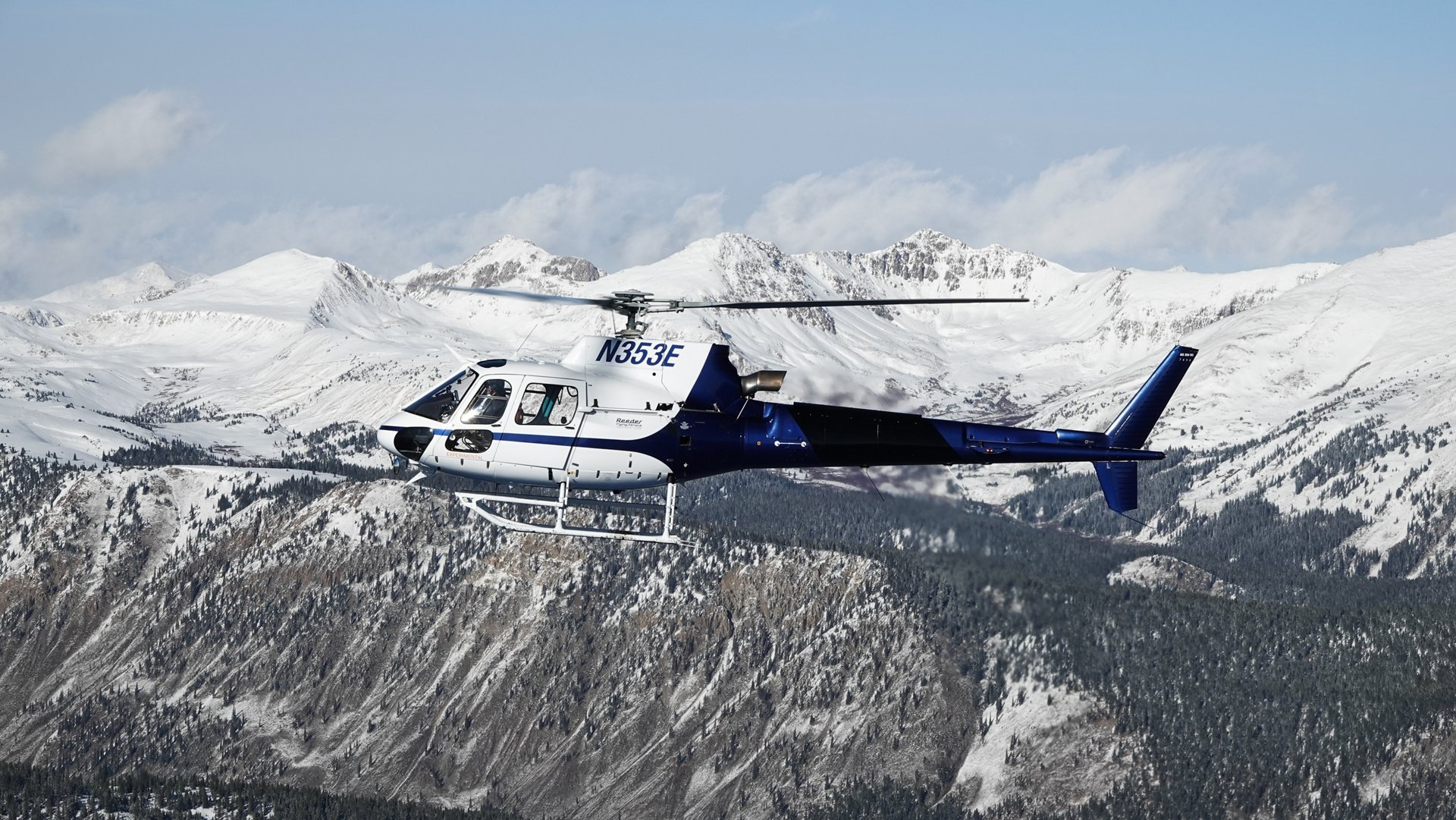 BLR has chosen to perform flight tests with the H125 in Gunnison, which is located at an elevation of more than 2,300 metres. The altitude, the cold temperatures and the Rocky Mountains provide the ideal setting to put the FastFin system to the test.