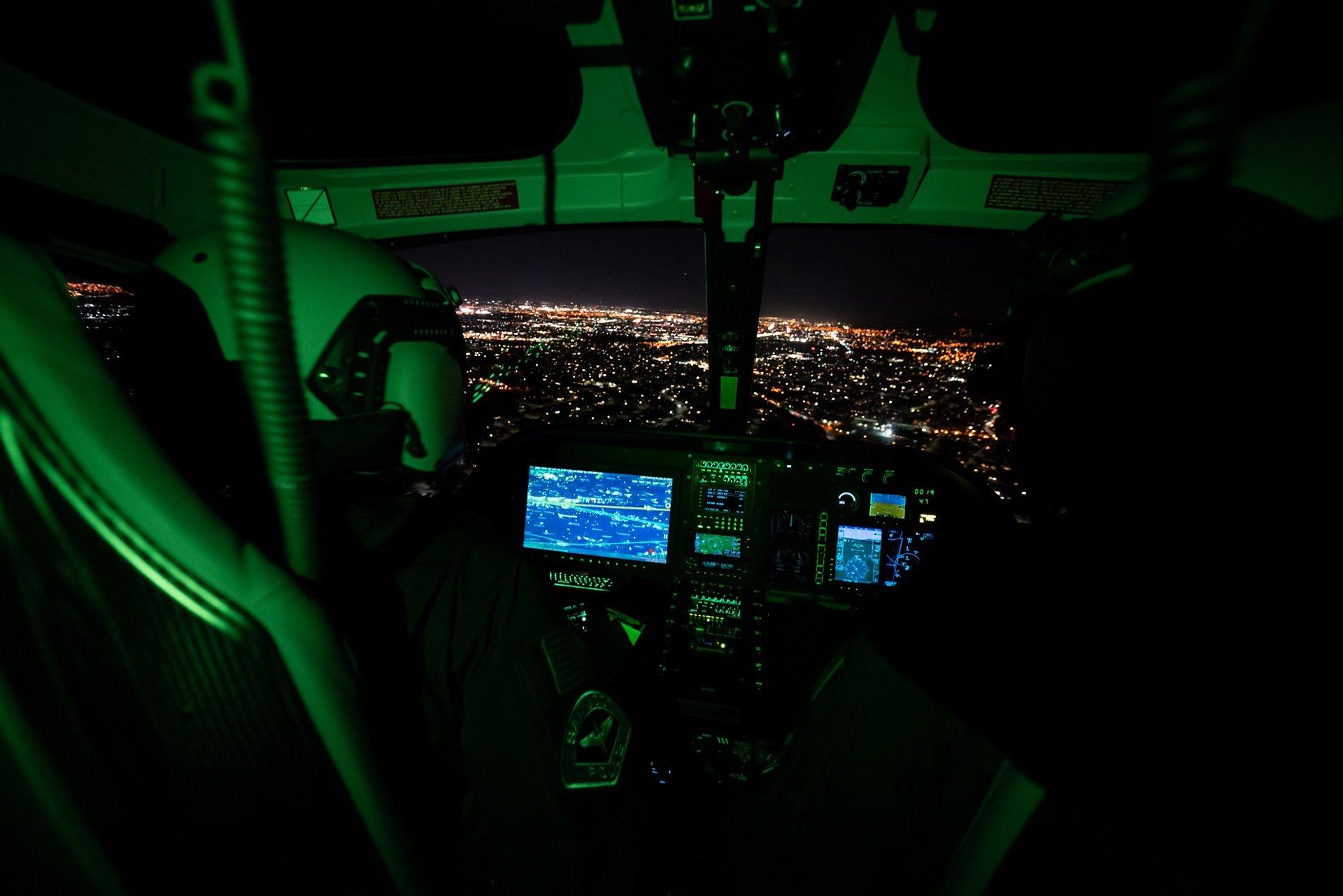 圣何塞警察局的新H125配备了夜视镜和摄像设备,为巡逻硅谷最南端城市的警官们打开了一个新世界。