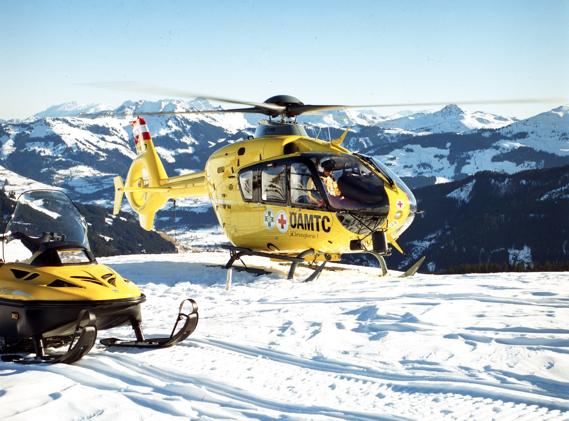 Airbus Helicopters highlights its Emergency Medical Services capabilities at HeliRussia 2016