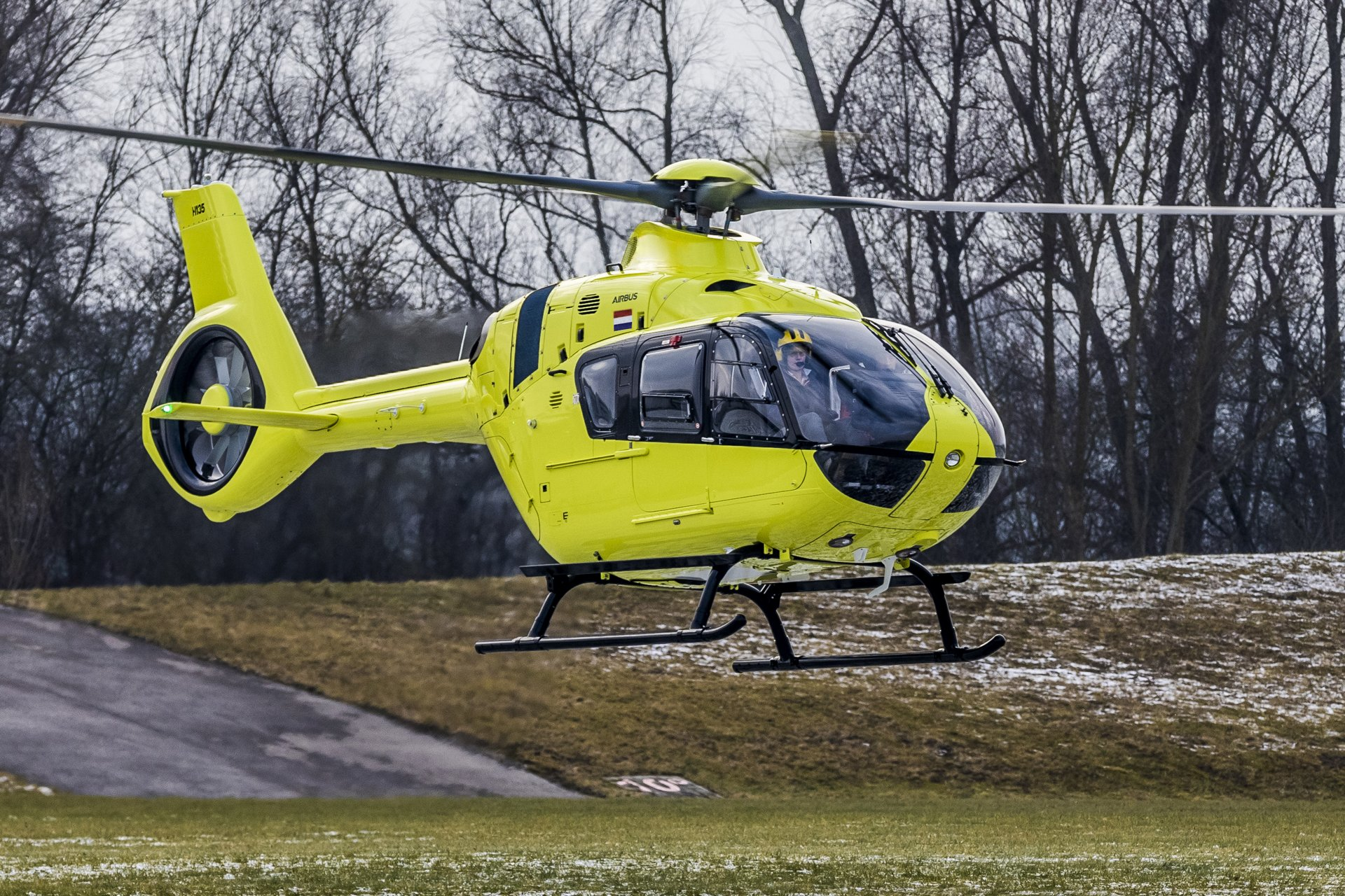 Airbus Helicopters and air rescue operator Royal Dutch Touring Club ANWB, have signed a framework contract for up to six H135s with Helionix. Additionally, they have activated a first batch of three aircraft to be delivered in 2019 and 2020.