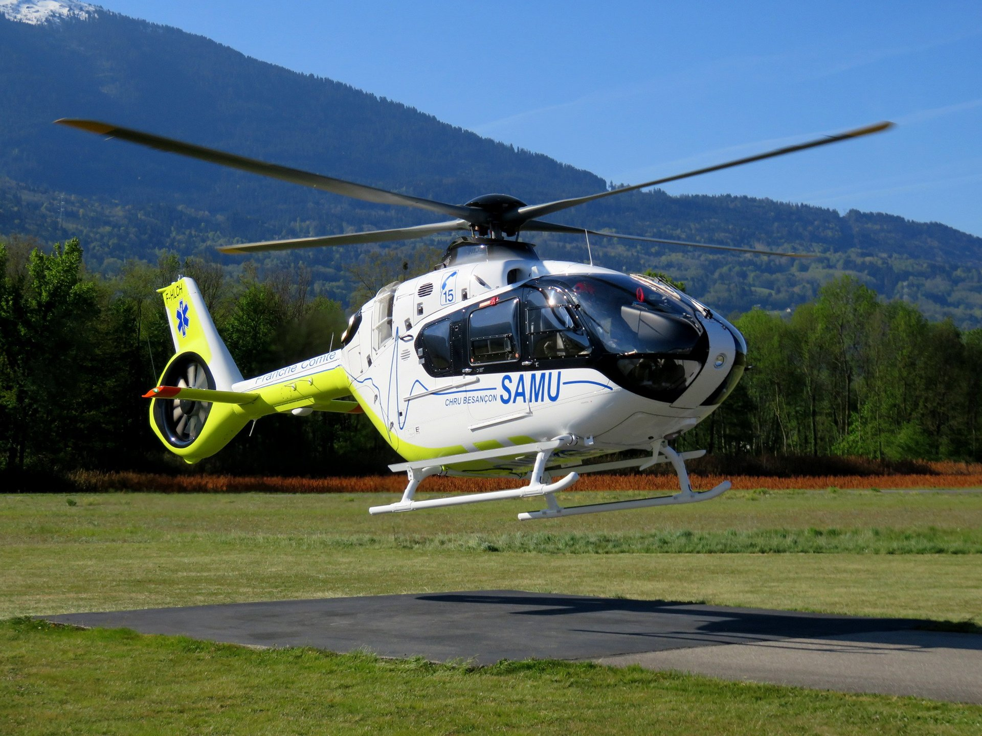 The first fleet of H135s for French emergency medical services is now fully operational