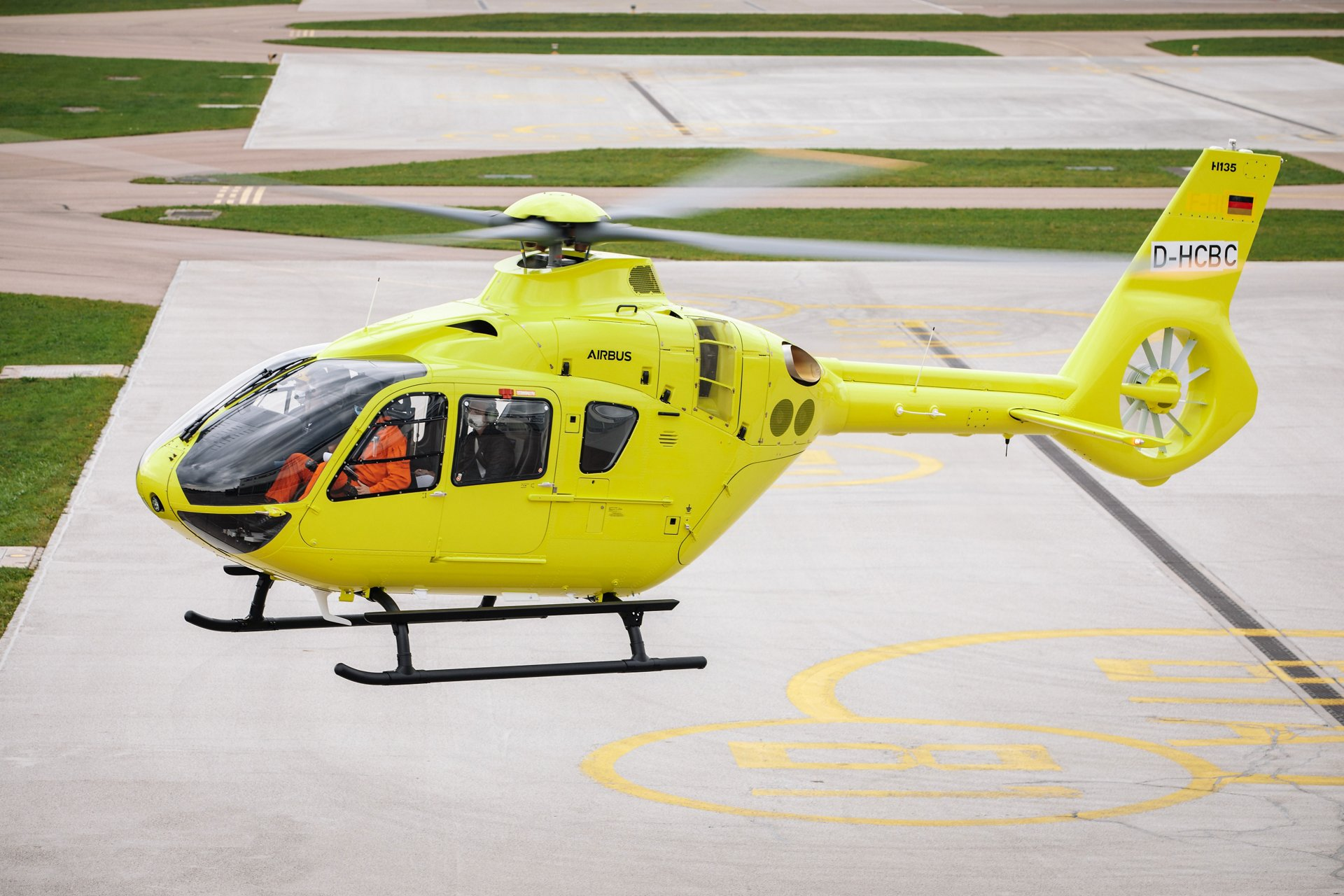 The milestone 1,400th H135 is a rotorcraft configured for Helicopter Emergency Medical Services (HEMS), which was delivered to operator Mont Blanc