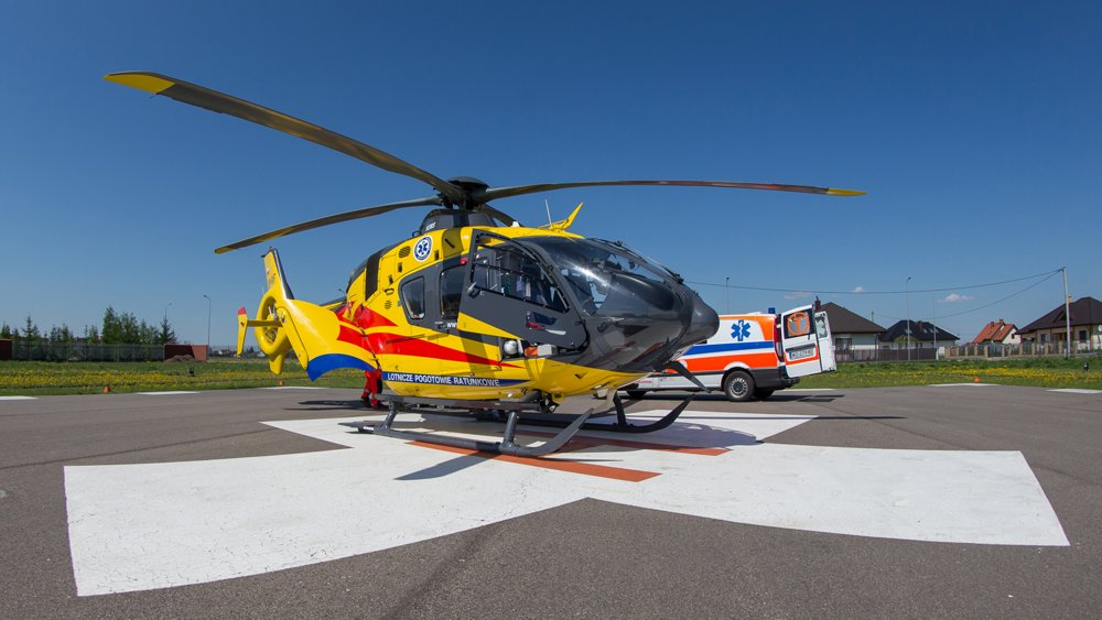 A HEMS-configured H135 operated by Lotnicze Pogotowie Ratunkowe.